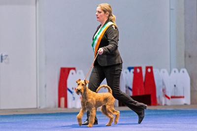 Scarlett und Nadja Grimberg beim Einlaufen in den Ehrenring