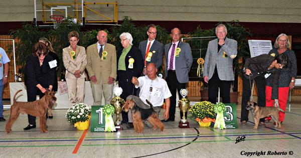 Reserve Best in Show  Napoletano von der Emsmühle   Foto zeigt die Endentscheidung der Veranstaltung
